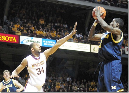 Manny Harris shoots the ball in the basketball game against Minnesota at Williams arena on March 7,2009. The Wolverines won the game 67-64.(ANNA BAKEMAN/DAILY)