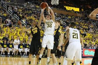 Michigan 54, Iowa 72-15