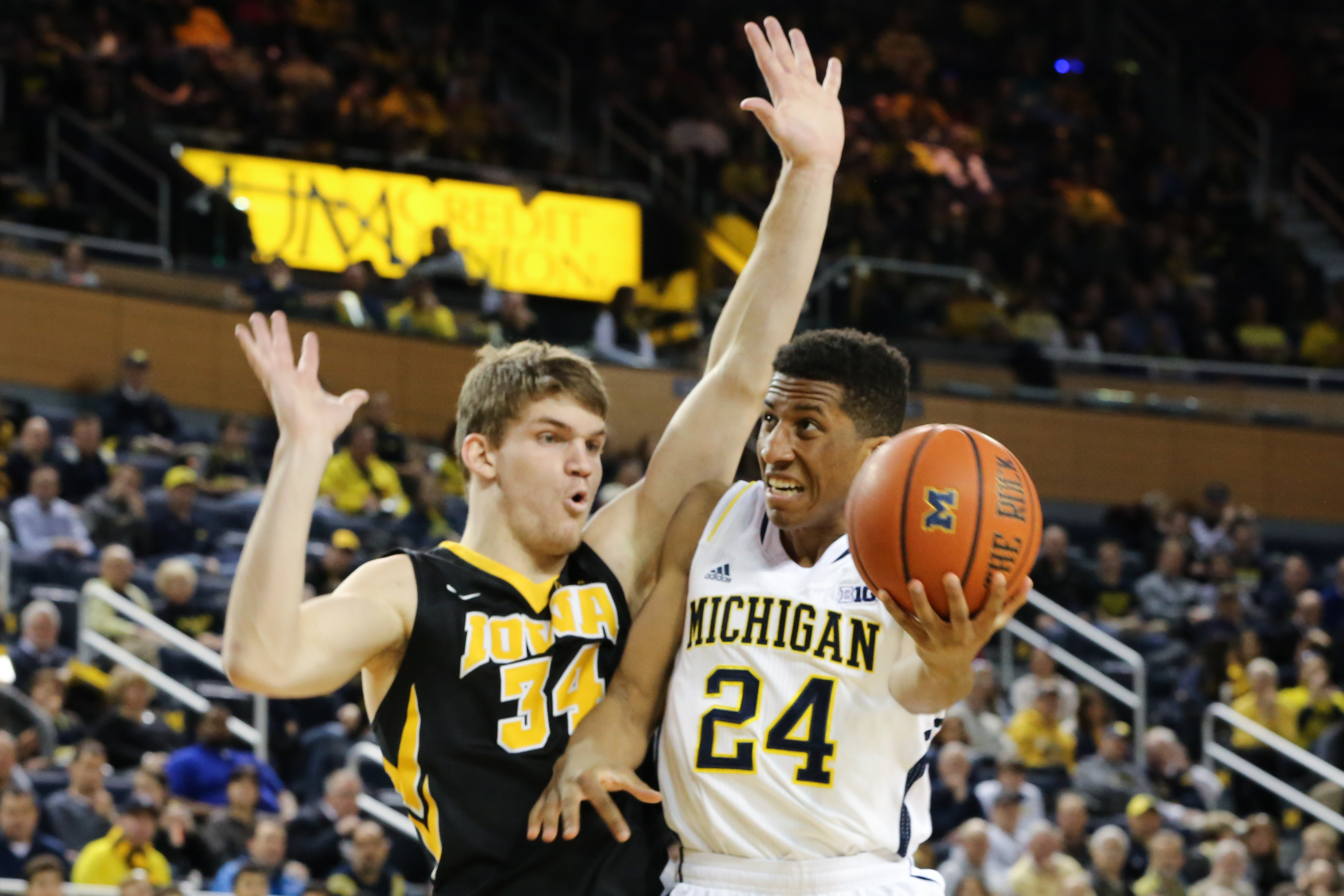 Michigan 54, Iowa 72-16