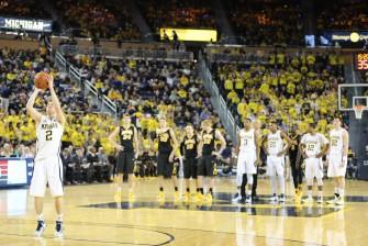 Michigan 54, Iowa 72-18