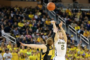 Michigan 54, Iowa 72-19