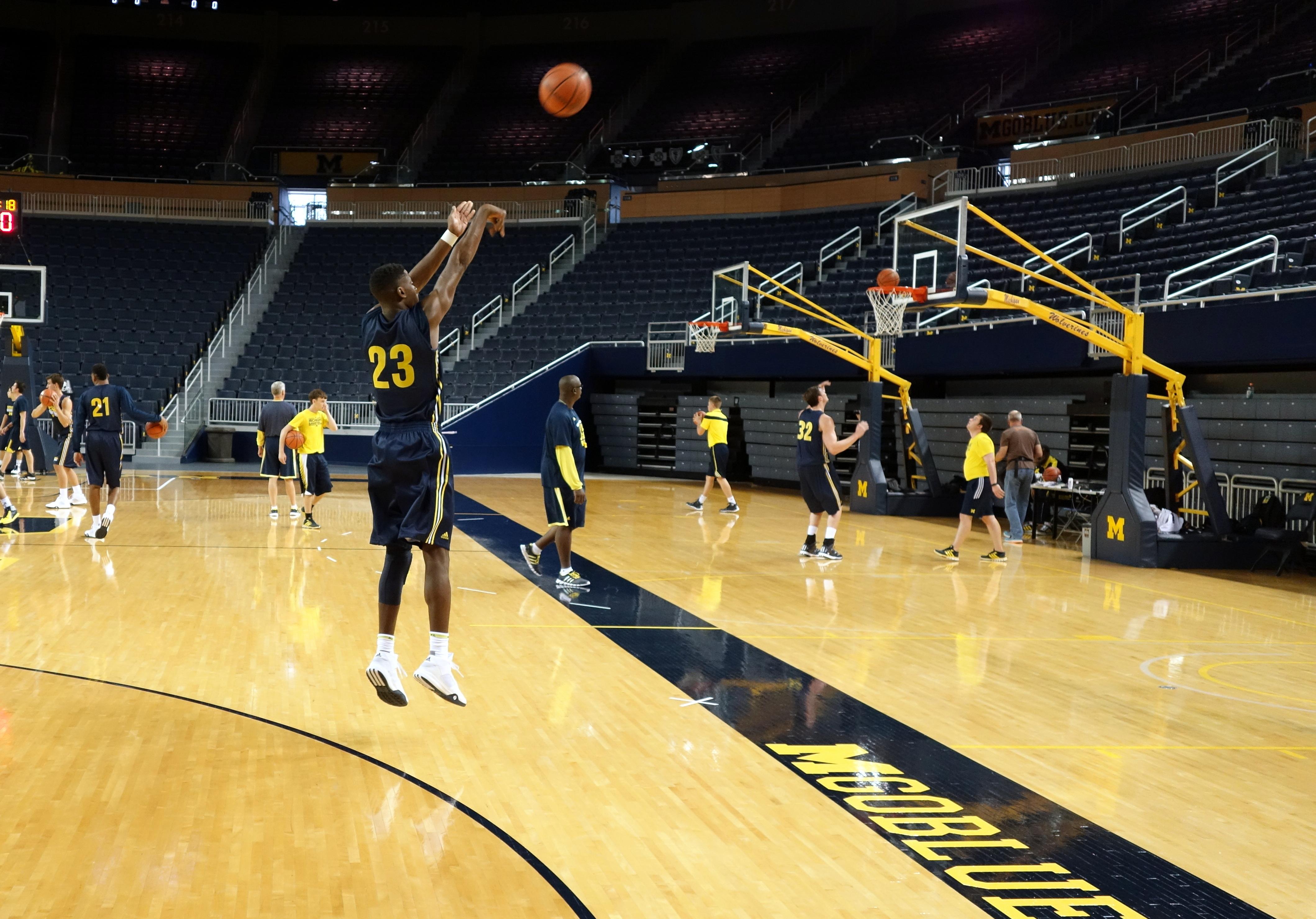 Michigan First Practice 2015-16 – #8