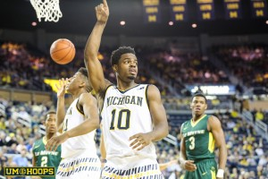 Michigan 74, Le Moyne 52-12