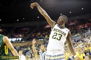 Michigan 74, Le Moyne 52-7
