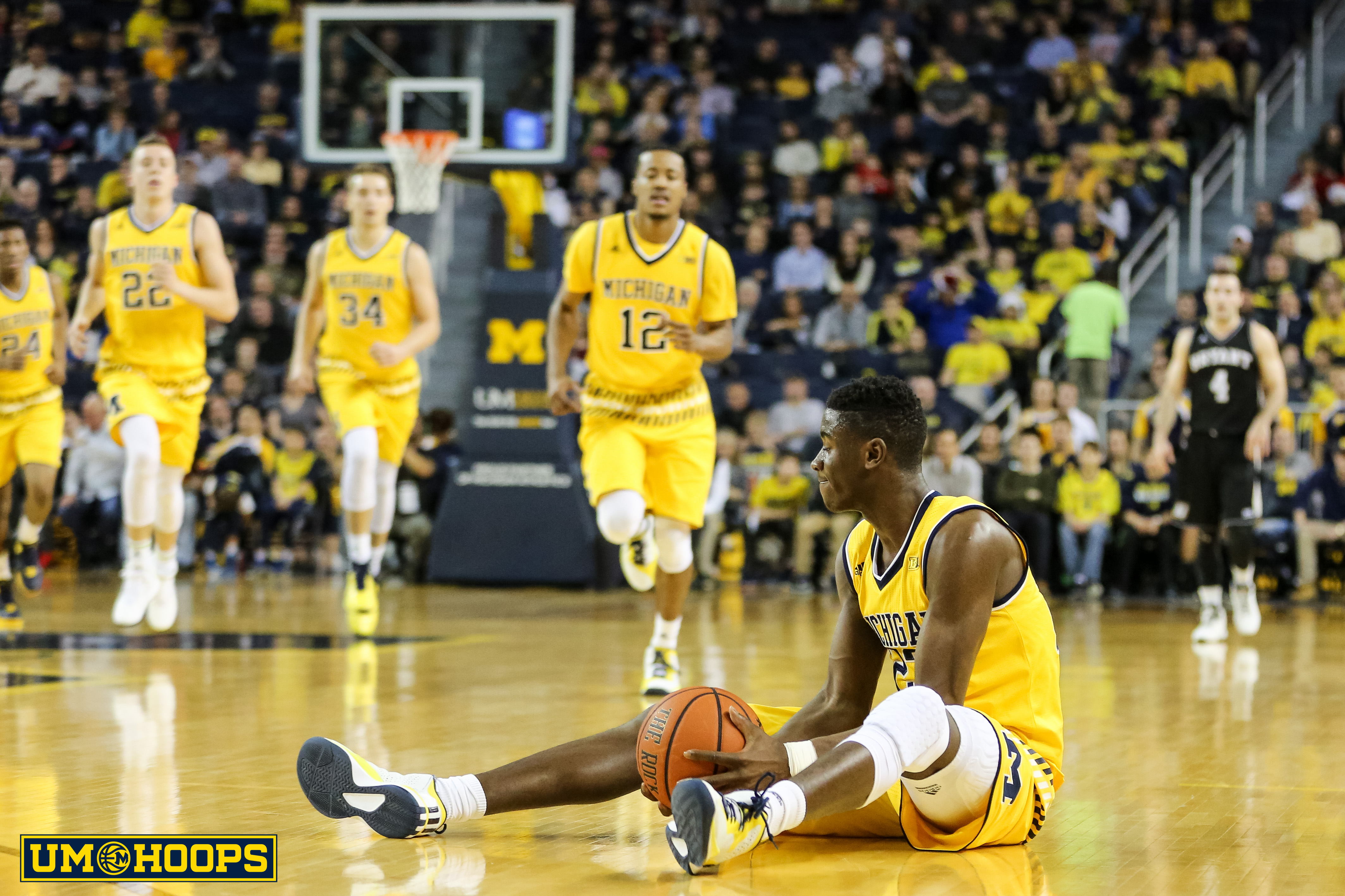 Michigan 96, Bryant 60-12