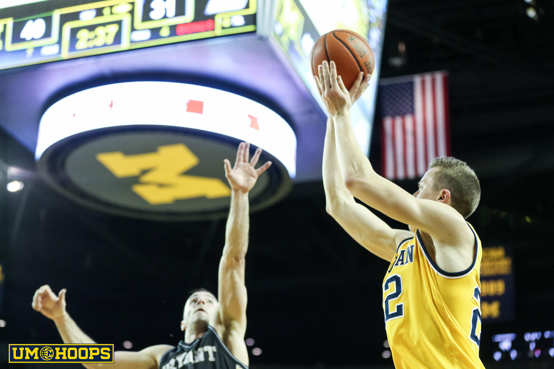 Michigan 96, Bryant 60-15
