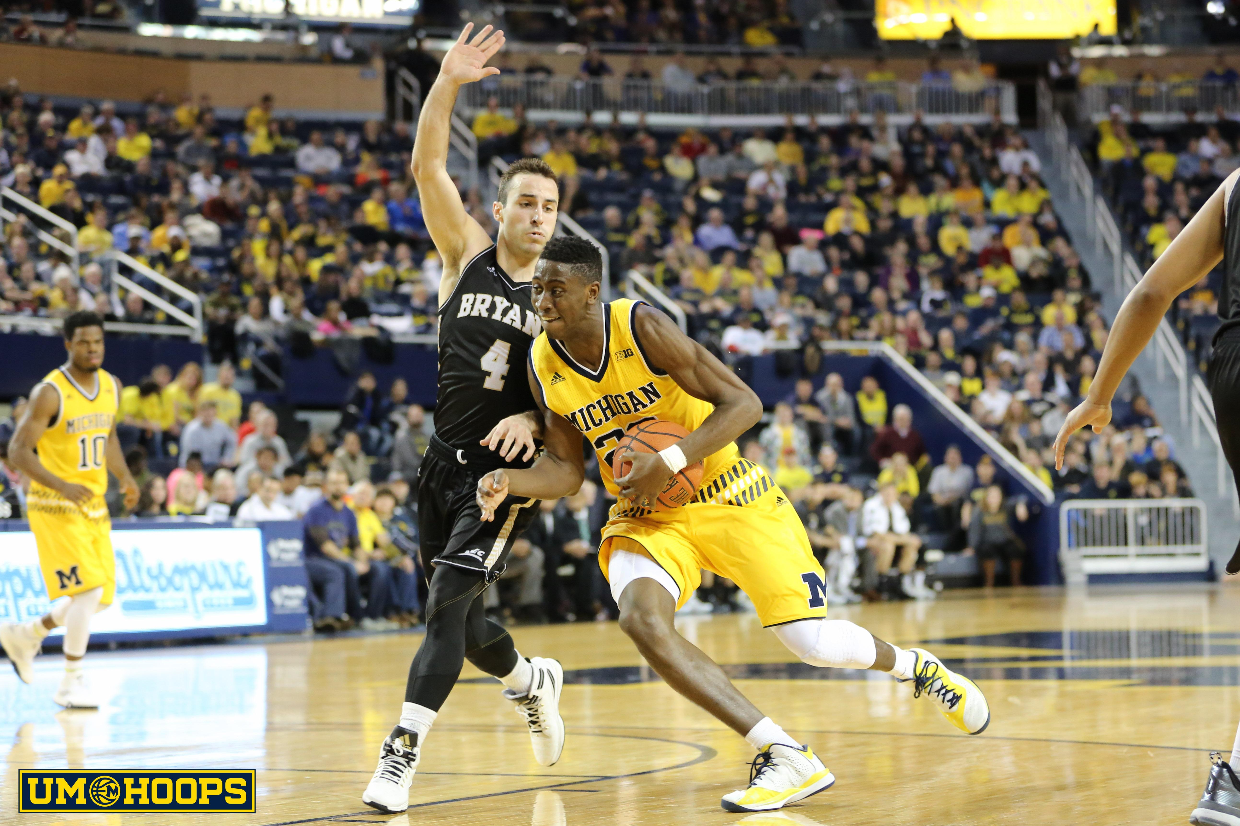 Michigan 96, Bryant 60-17