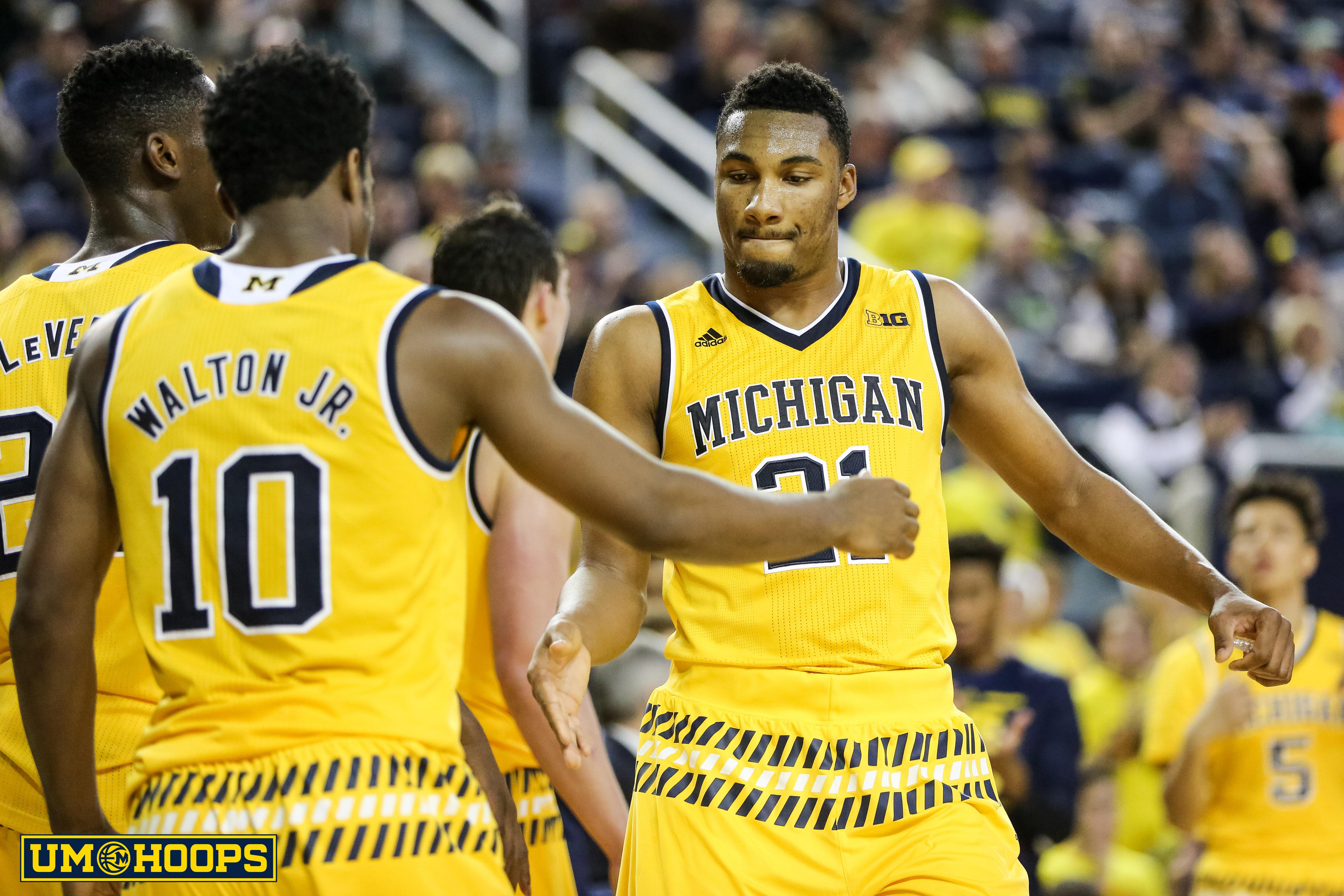 Michigan 96, Bryant 60-21