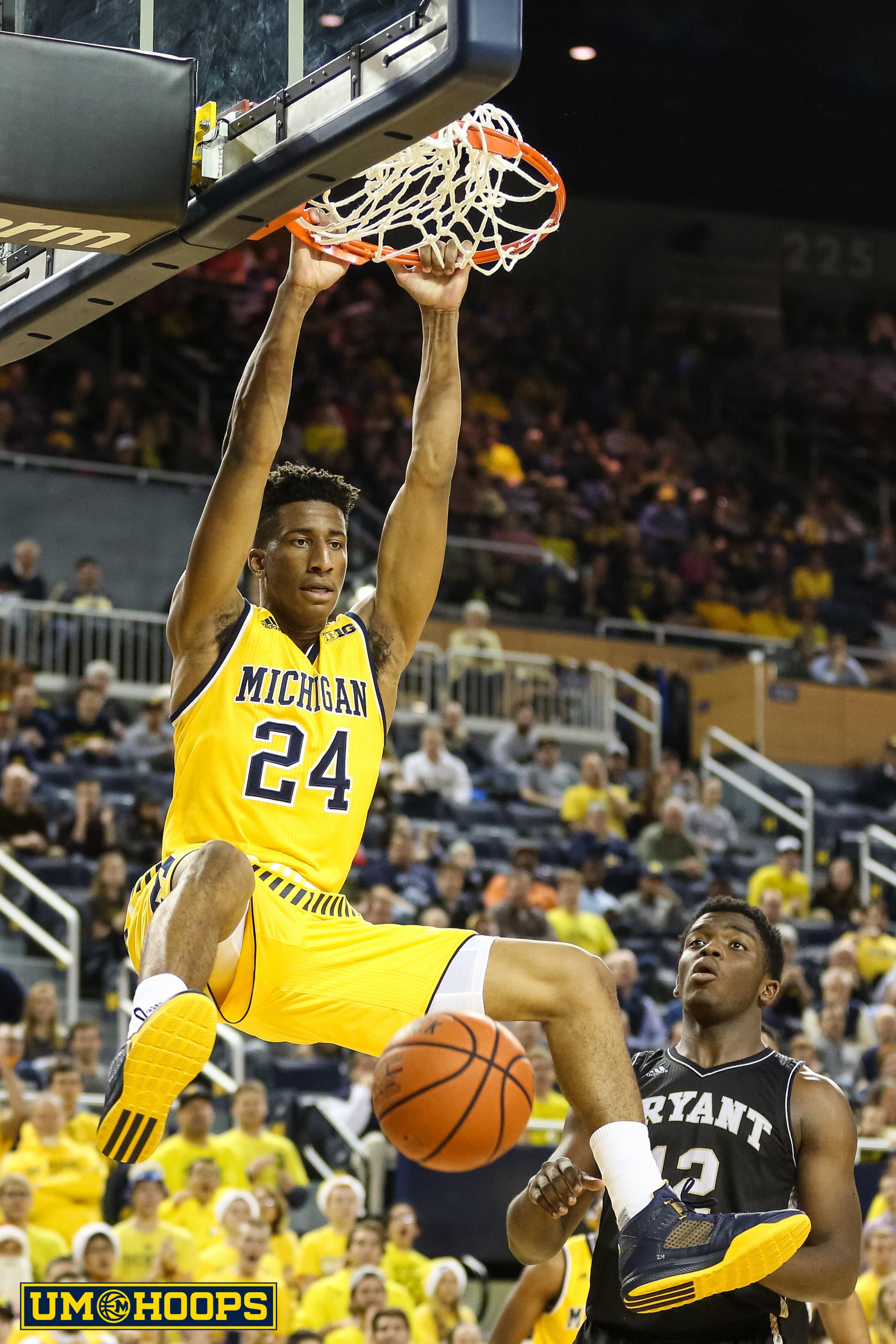 Michigan 96, Bryant 60-24