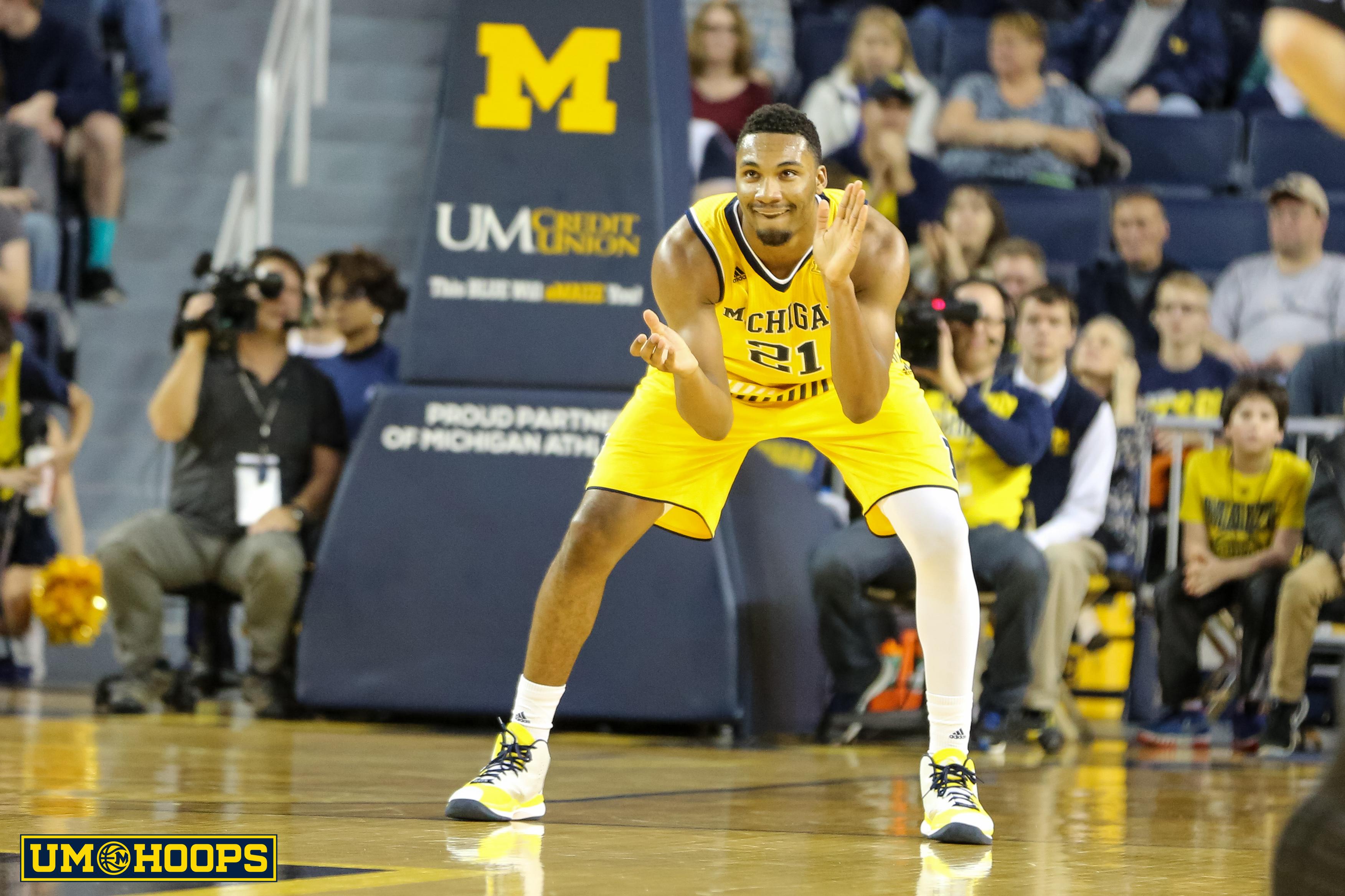Michigan 96, Bryant 60-4