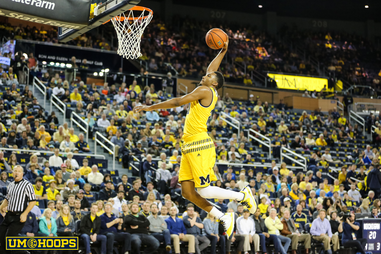 Michigan 96, Bryant 60-6