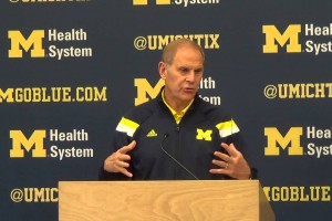 Michigan-basketball-availability-12-4-2015-John-Beilein